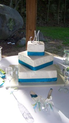 square 2 tier wedding cakes 2 tier buttercream wedding cake decorated with buttercream 20340