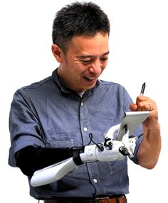 [Part1]電子制御の義手を自作 -- 自らのちからで -- 朝日新聞GLOBE