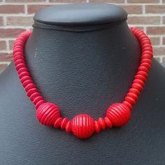 5017-2 : #kralenketting van rode #houtenkralen - rondellen met 3 dikke #kralen (43cm) - #halsketting met zeer weinig gewicht - deel van #setje