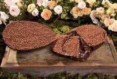 Com a temática Alice no País das Maravilhas, a Mélie Douce criou um editorial lindo de Páscoa. Ovos recheados e bolos são alguns dos doces