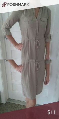 H&M Lightweight Cargo Dress Great-condition tie-waist cargo dress with pockets. Lined skirt. Tan in color. H&M Dresses