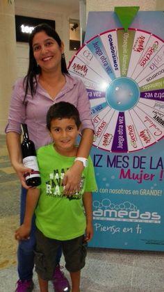 La señora #Johana Guisays Sierra fue la #Feliz #Ganadora de un obsequi Alamedas por ser el Mes de la #Mujer !!! Alamedas Centro Comercial #Piensaenti