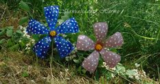 Here you will find easy tutorials of crafts, DIY, decoration, recycling and more. Diy Flowers, Paper Flowers, Condensed Milk Cake, Fleurs Diy, Fabric Paper, Reuse, Recycling, Arts And Crafts, Crafty