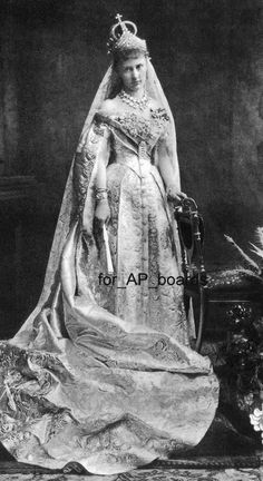 GDss Elizaveta Mavrikievna (1865-1927), (spouse of GD Konstantin K.) in her wedgown (1884, St Petersburg)