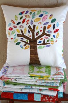 Tree of Life 18 x 18 pillow by ChrissieGraceDesigns on Etsy Sewing Pillows, Diy Pillows, Custom Pillows, Throw Pillows, Quilt Baby, Pach Aplique, Family Tree Quilt, Sewing Crafts, Sewing Projects