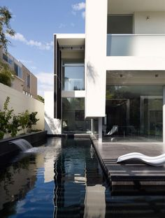 Gallery of Robinson Road / Steve Domoney Architecture – 2 Robinson Road / Steve Domoney Architektur Robinson Road / Steve Domoney Architektur – ArchDaily Residential Architecture, Amazing Architecture, Contemporary Architecture, Interior Architecture, Installation Architecture, Building Architecture, Photo D'architecture, Cool Pools, Pool Designs