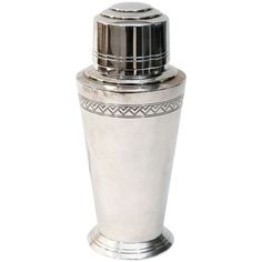 Cocktail shaker by Arthur Hatfield for Mappin and Webb