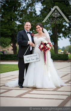 Cute wedding picture with the happily ever after sign! www.ArisingWeddings.com #arisingimages #wedding #photography #ideas
