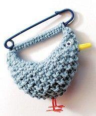 Knitted Bluebird Brooch By Joanne Haywood - Free Knitting Pattern - (allaboutyou) Crochet Brooch, Crochet Diy, Crochet Amigurumi, Love Crochet, Crochet Crafts, Yarn Crafts, Crochet Earrings, Free Knitting, Knitting Patterns