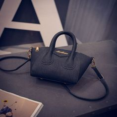 Women Leather Handbags Of Mini Smiley Bags Shoulder Messenger Bag Shell Bags Spring And Summer Women Crossbody Bags