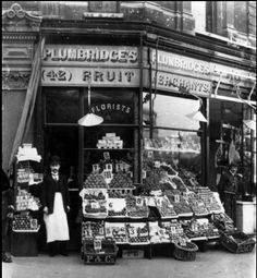 Canvas Print (other products available) - Plumbridge& greengrocer& shop with a well-stocked display along the shop front on the pavement. (Photo by Hulton Archive/Getty Images) - Image supplied by Fine Art Storehouse - Canvas Print made in Australia Victorian London, Vintage London, Vintage Shops, Victorian Street, Victorian Life, London History, British History, Old Pictures, Old Photos