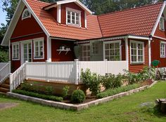AB PH Betong och Bygg Swedish Cottage, Red Cottage, Swedish House, German Houses, Country Home Exteriors, Victorian Farmhouse, A Frame House, Cottage Exterior, Forest House