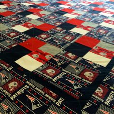 70 x 88 Handmade New England Patriots Quilt,Machine Washable custom Quilt Patriots Bedding, Custom Quilts, Sports Teams, New England Patriots, Quilting, Buy And Sell, Blanket, Patterns, Handmade