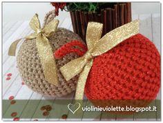 Violini e Violette: Palline di Natale amigurumi