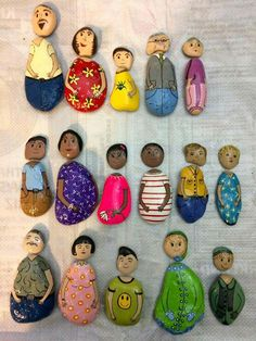 Painted people rocks , switch around the heads and create new people . - Painted people rocks , switch around the heads and create new people . Stone Crafts, Rock Crafts, Crafts To Make, Crafts For Kids, Arts And Crafts, Children Crafts, Pebble Painting, Pebble Art, Stone Painting