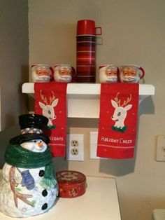 Linked to Merry Christmas Blog Hop --->>>Thrifty Girl 51: A little thrifty Christmas decorating