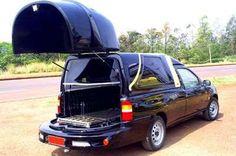 Caixão cai de carro de funerária, motorista não nota e segue viagem