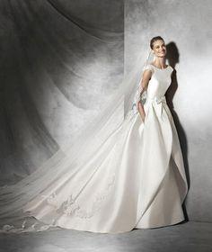 Pronovias #fiocco #sposa #bride #bridal #abitosposa2016 #nozze #matrimonio #matrimoniopartystyle #location #trovalocation #wedding #weddingconsultant