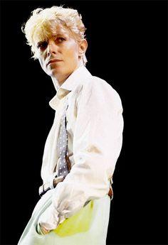 "Daily Bowie on Twitter: ""https://t.co/FKKCyRF3Vi"""