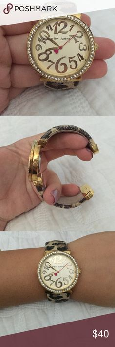 Betsey Johnson Cuff Watch beautiful Betsey Johnson watch! minimal use, in great condition!! the battery is dead but I will replace it upon purchase Betsey Johnson Accessories Watches