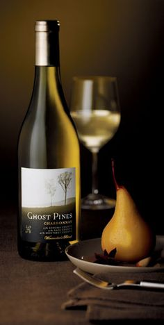 Ghost Pines Chardonnay: Not a fan of chards, but I did like this. Baked pears & apples with a mite of fig.  Nom.  Kinda buttery too!  Do pair with some Garrotxa, an aged goat cheese from Spain.  Or some Camembert!