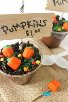 The Original DIY Pumpkin Patch Pudding Cups for Fall and Halloween Pumpkin Patch Pudding Cups Halloween Halloween Snacks, Scary Halloween Food, Fall Snacks, Halloween Halloween, Family Halloween, Halloween Activities, Fall Party Treats For Kids, Fall Party Foods, Fall Party Ideas