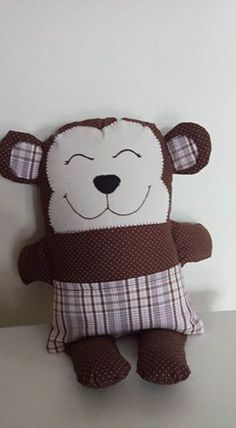 Tecido 100% algodão e enchimento antialérgico Boo And Buddy, Sewing Crafts, Sewing Projects, Pillow Pals, Cute Canvas Paintings, Fidget Blankets, Scrap Busters, Monster Dolls, Fabric Toys