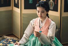 [김태리] 꽃 중의 꽃, 불꽃으로 살았던 애신 애기씨를 보내드리오. : 네이버 포스트 Korean Traditional, Traditional Fashion, Traditional Dresses, Korean Hanbok, Korean Dress, Queen For Seven Days, Cute Korean, Movie Costumes, Korean Actresses