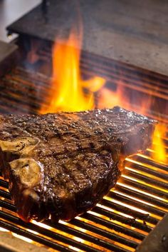 How To Grill T-Bone Steak - Great British Chefs Learn how to grill T-bone steaks to perfection on the barbecue with this step-by-step guide from the professionals at Great British Chefs. Cooking T Bone Steak, Steak On Gas Grill, Bbq Steak, Rump Steak, How To Cook Steak, Bbq T Bone Steak Recipe, T Bone Steak Marinade, Steaks On The Grill, Bbq Beef