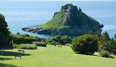 Thatcher Rock - The Bay's Mysterious Island - Torquay Online Devon England, Cornwall England, Oxford England, Yorkshire England, Yorkshire Dales, London England, Uk Summer Holidays, Torquay Devon, Castles In Wales