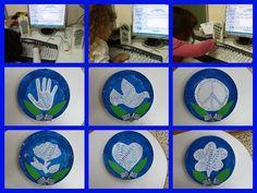 Τα διακοσμητικά καδράκια που φτιάξαμε πέρσι με τα μικρά μου στο πρόγραμμα δημιουργίας συννεφόλεξων Tagxedo! Πατήστε ΕΔΩ γ... Peace Crafts, 28th October, School Holidays, Earth Day, Crafts For Kids, War, Projects, Blog, Manualidades