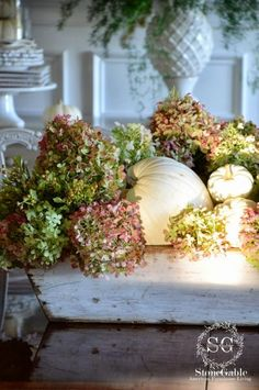 Easy Dried Hydrangea and Pumpkin Display