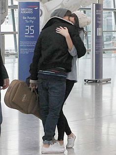 louis tomlinson and eleanor calder... SWEETEST THING EVER