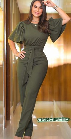 Classy Dress, Classy Outfits, Stylish Outfits, Look Fashion, Fashion Outfits, Womens Fashion, Latest African Fashion Dresses, Professional Outfits, Jumpsuits For Women