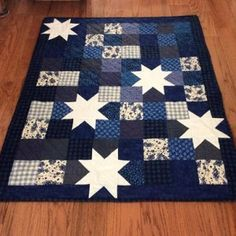 Oh My Stars Free Quilt Pattern by Pat Sloan Flag Quilt, Patriotic Quilts, Star Quilt Blocks, Star Quilts, Easy Quilts, Scrappy Quilts, Moose Quilt, Quilting, Charm Pack Quilt Patterns