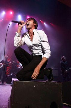 Brett Anderson Brett Anderson, Britpop, Band Photos, My Youth, Growing Up, Going Out, Daddy, Handsome, Singer