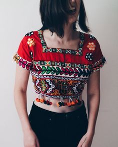 Red vintage Indian sari top   embellished festival Coachella crop top    Hippie emboidered short sleeve 8e1bb7cccf47
