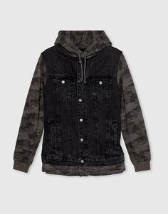 :Denimowa kurtka z łączona z materiałem w moro