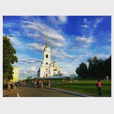 Это Владимир, детка.  #россия #города #владимир #природа #собор #красота