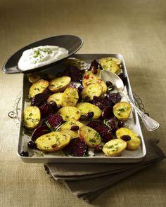 Unser beliebtes Rezept für Kartoffeln mit Roten Beten vom Blech und Frischkäsecreme und mehr als 55.000 weitere kostenlose Rezepte auf LECKER.de.