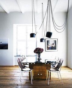 Elegant - Aim small pendant lights.  cr @mydomaine  #inspiration #inspirasjon #scandinaviandesign #design123 #design #interior #interiør #interiordesign #interiorstyling #lights
