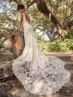 First comes the bride and her sexy embroidered crepe wedding gown, which is then followed (closely) by this dazzling illusion train. 'Tis the natural order of things. Crepe Wedding Dress, Maggie Sottero Wedding Dresses, Wedding Gowns, Bridal Gown, Wedding Veil, Lace Wedding, Dream Wedding, Bridal Closet, Girls Dresses
