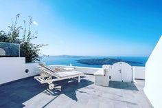 Enjoying the #stunning view of #Caldera #Firostefani  #Santorini #Greece. Book Dimitrios Cave House now -> www.bookingsantorini.com --------------------------------- #santorinihotels #happyholidays #greek #holidays  #vacation #travelgreece #traveltheworld #travel #travelgram #instagreece  #santorinigreece #volcan #relax #cycladicislands #island #islandlife #bestview #nature #naturegram #nature_perfection #travellers #dimitrioscavehouse  #bookit #bookingsantorini #enjoy