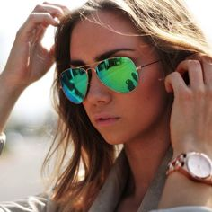Current Obsession. Ray-Ban Aviator Flash Lenses in Green.