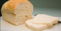 Recette : La meilleure recette de pain maison. Pizza Sandwich, Cornbread, Bread Recipes, Biscuits, Bacon, Sandwiches, Bakery, Recipies, Muffin
