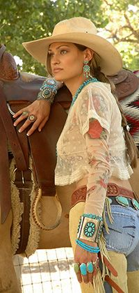 Turquoise Jewelry Outfit Southwest Art-Authentic Native American Indian Pottery Jewelry and Art - Cowgirl Chic, Cowboy And Cowgirl, Cowgirl Style, Cowgirl Boots, Gypsy Cowgirl, Cowgirl Fashion, Cowboy Hats, Boho Chic, Hippy Chic