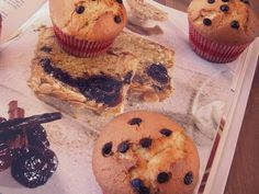 Vanilla muffins with chocolate pieces