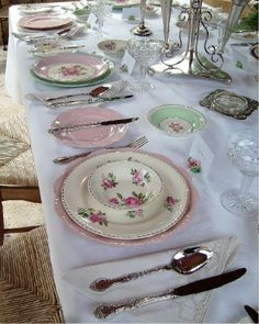 This is just plain gorgeous! The Vintage Table ~ Vintage High Tea ~ Bridal Baby Showers ~ Weddings Events ~ Antique China Hire High Tea Wedding, Tea Party Wedding, Wedding Table, Wedding Ideas, Vintage Crockery, Vintage China, Antique China, Vintage High Tea, Vintage Table