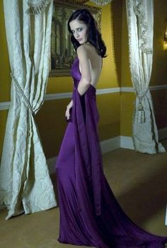 Eva Green in Casino Royale love the sassiness, would like something like this too with my fiancé, or take a couple pics separate then together