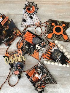 Source by paxetlux Fall Paper Crafts, Halloween Paper Crafts, Halloween Banner, Halloween Ornaments, Halloween Home Decor, Halloween Boo, Halloween Projects, Diy Halloween Decorations, Halloween Cards